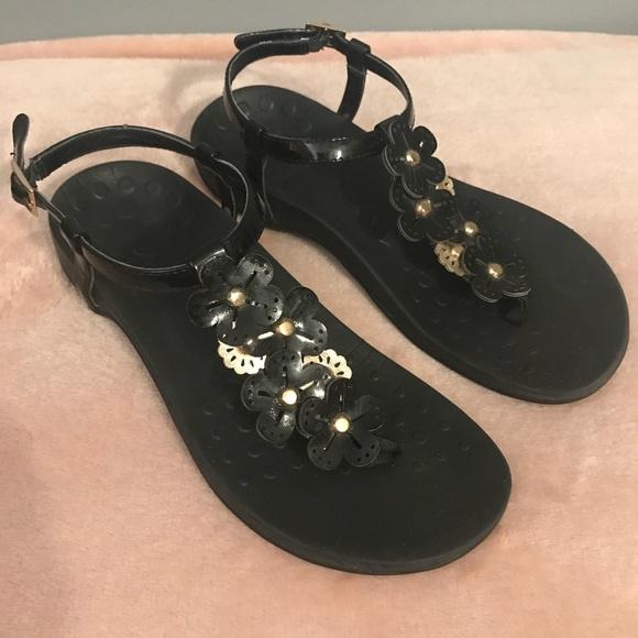 4f1efb5d8cae Vionic shoes womens julie sandal size poshmark jpg 580x580 Vionic shoes  julie